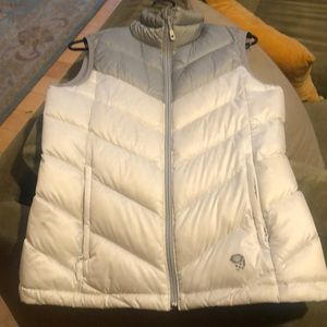 Mountain Hardwear down vest M 650 fill